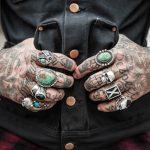 Hai un tatuaggio? Ecco perché potresti avere più problemi sanitari…