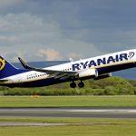 Ryanair chiude trimestre con utile in calo